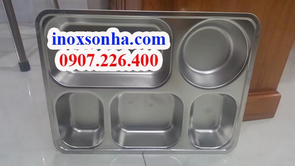 http://inoxsonha.com/upload/images/khay-5-ngan%20(1).jpg